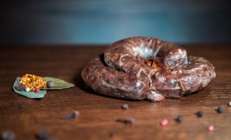 Колбаса ЄГЕРСЬКА ЖАРЕНАЯ з мраморної говядини органічна, Organic Meat, 500 г - купить в интернет-магазине Юнимед